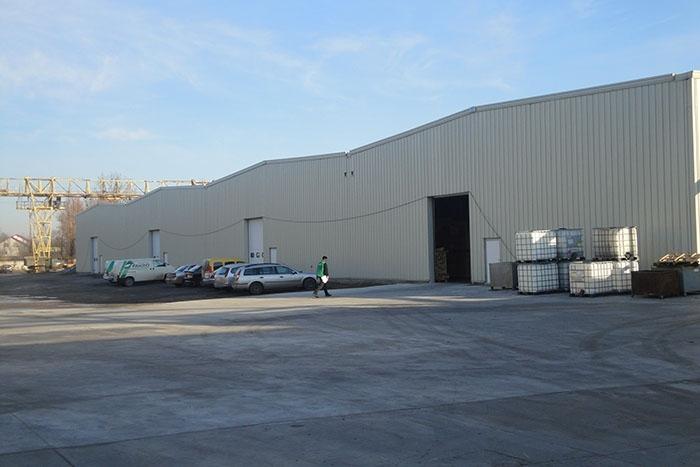 Завод по виготовленню дахових вікон Fakro