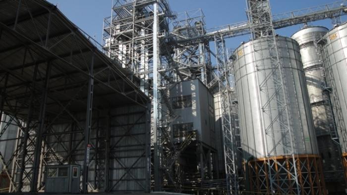 Завод з виробництва комбікормів у місті Рогатин