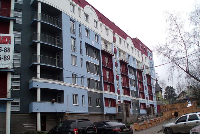 Багатоквартирний житловий будинок по вулиці Єфремова