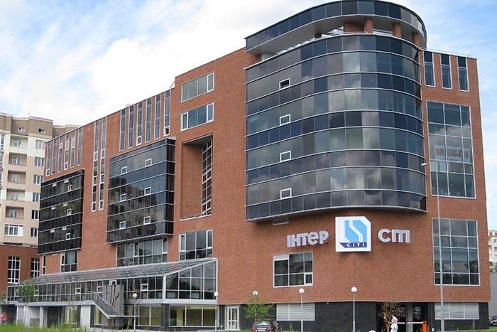 Торговий центр «Інтер-сіті» на проспекті Чорновола
